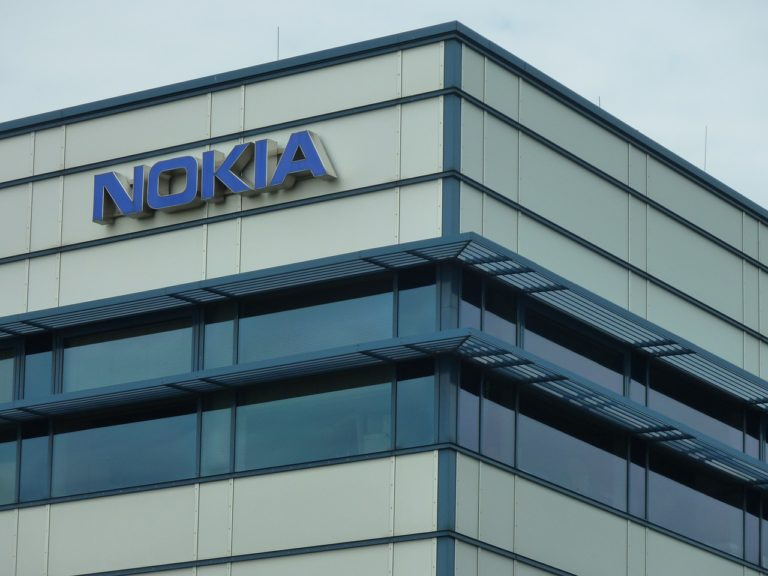 Nokia and Apple Bury Their Patent Hatchets